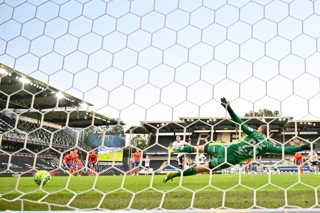 Dino Islamovic utlignet sikkert fra krittmerket. Foto: Ole Martin Wold / NTB scanpix