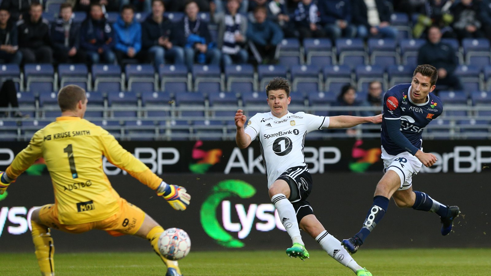 Helland sendte Rosenborg i føringen etter ni minutter.
