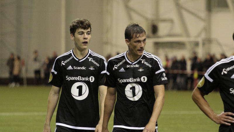 SOLID DUO: Jacob Rasmussen og Johan Lædre Bjørdal holdt buret rent i første omgang.