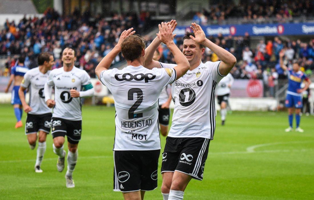 DOBBEL HEDENSTAD: Høyrebacken scoret RBKs to siste mot Sandefjord. Kampen endte 5-1.
