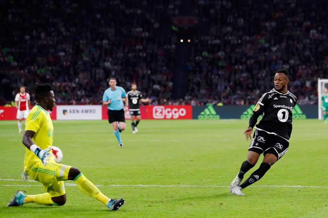 Adegbenro brukte bare minutter i RBK-trøya før han scoret sitt første mål, og det borte mot Ajax.