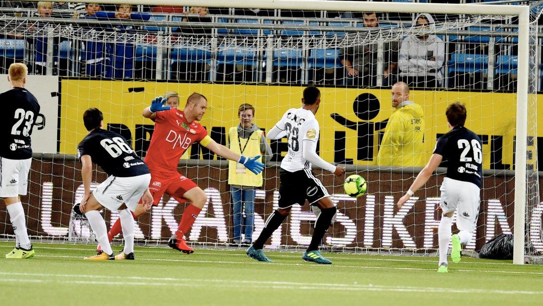 Samuel Adegbenro satte inn 0-2