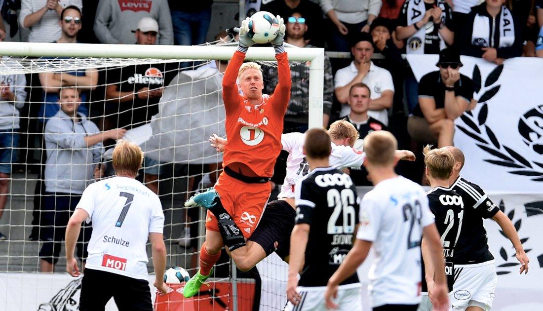Arild Østbø holdt buret rent for Rosenborg mot Sogndal