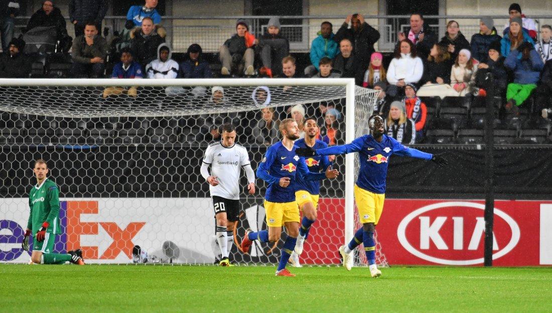 André Hansen gjorde flere gode redninger, men måtte se at Jean-Kevin Augustin satte inn 0-1.