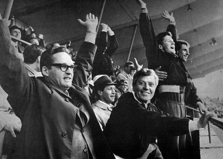 Oppmann Olav Wang og trener George Curtis 1969.jpg